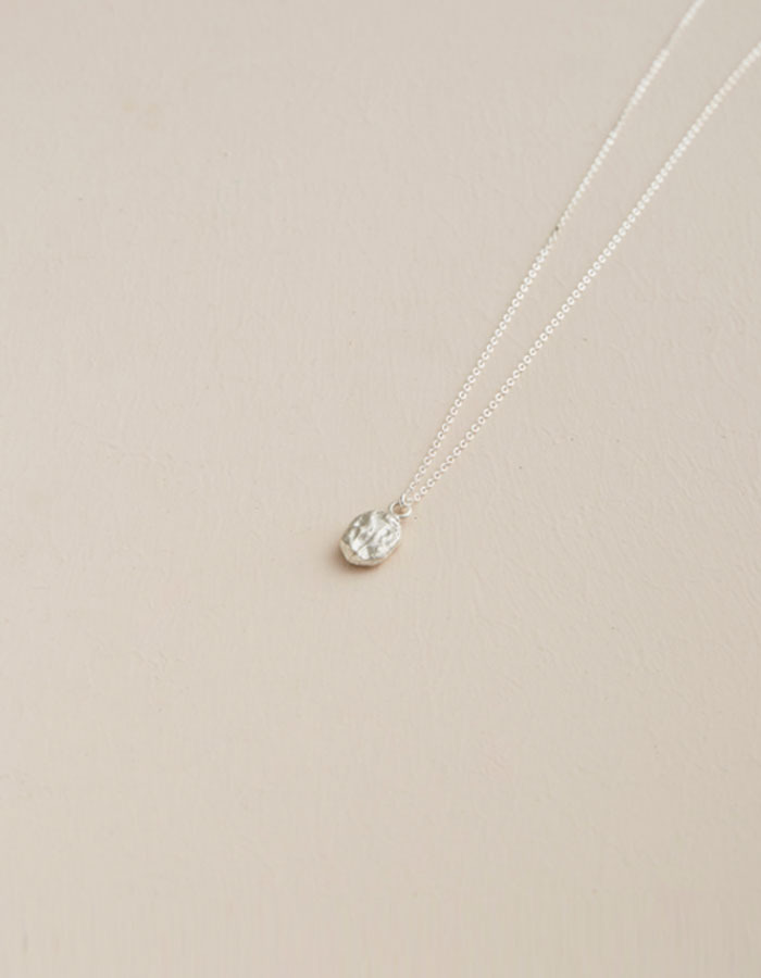 pi seoul) texture round necklace