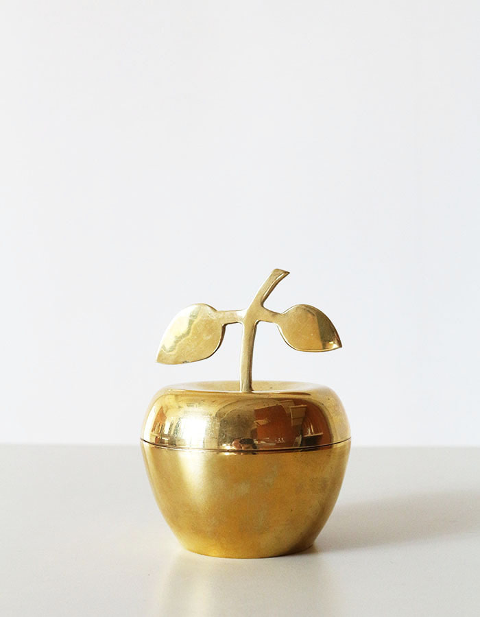 vintage) big brass vintage apple stash bowl dish