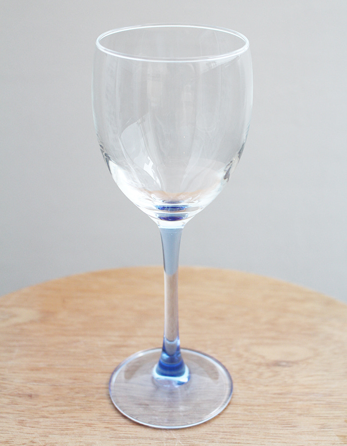 luminarc) blue by chris d'arques wine glass