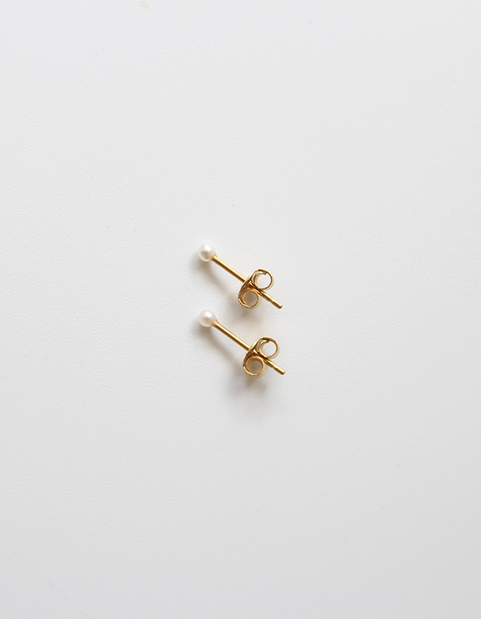 orbes) petite pearl earrings - 재입고