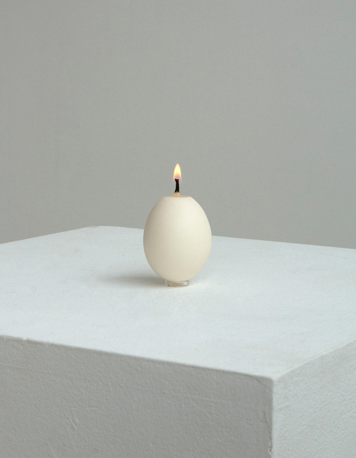 museum archive) egg candle - white, black