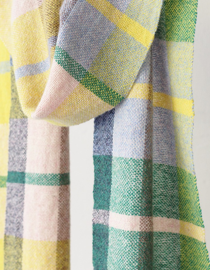 handwoventextile) Super Soft Lambs Wool Scarf (Y & G)