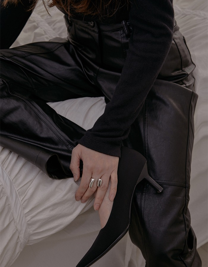 cosmoss) Stitch Detail Vegan Leather Pants (Black) - 재입고