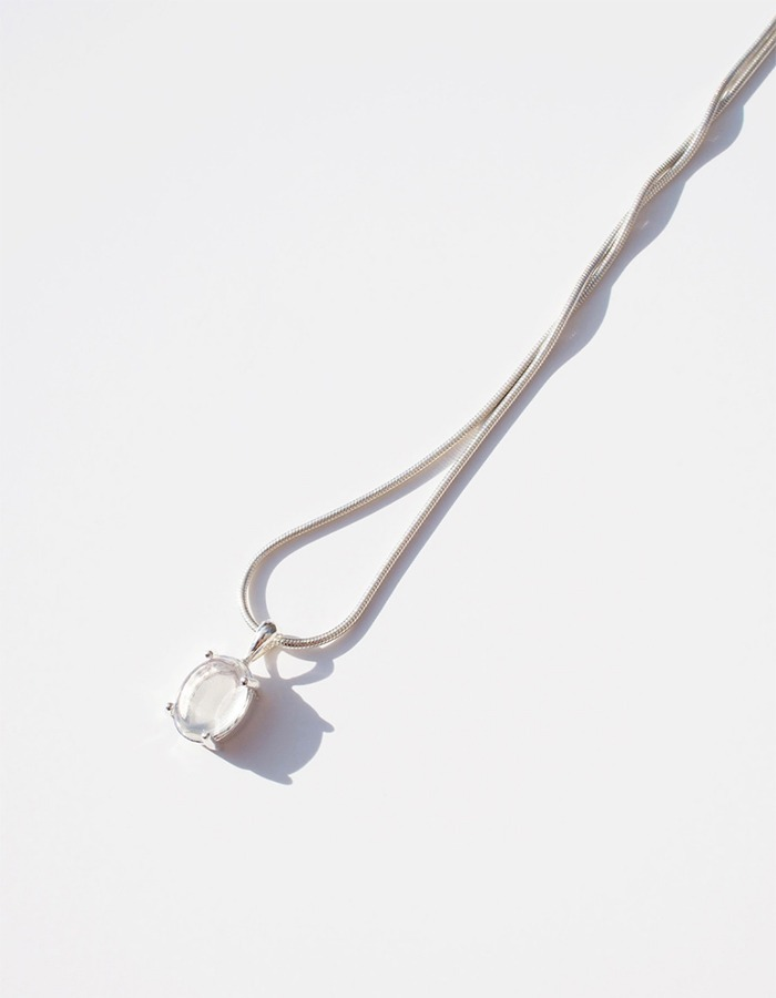 inodore) Dinky necklace _ white opal