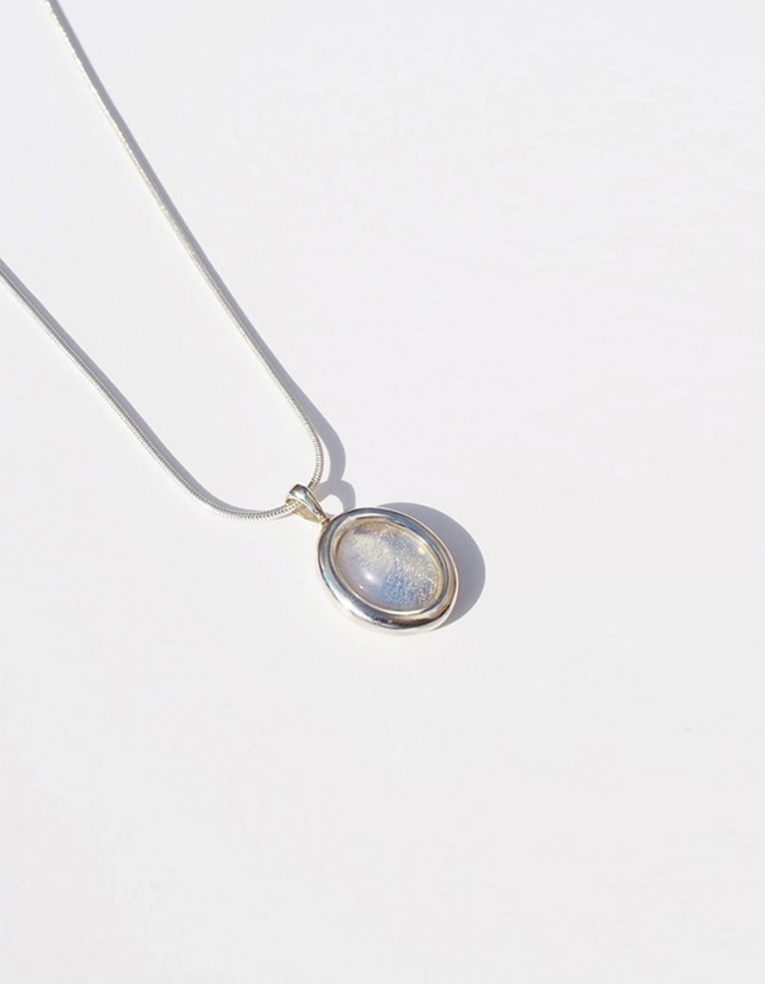 inodore) Pupil necklace _ white opal